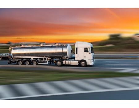 Transportadores de cargas perigosas denunciam falta de atendimento para verificação obrigatória